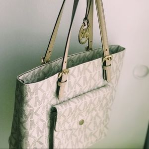 Michael Kors purse Vanilla